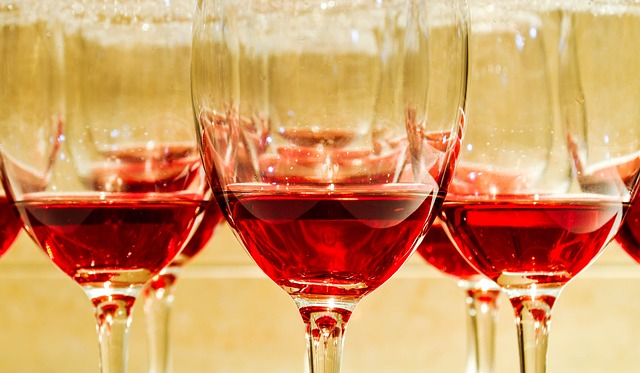 red-wine-glasses-pixabay-110116